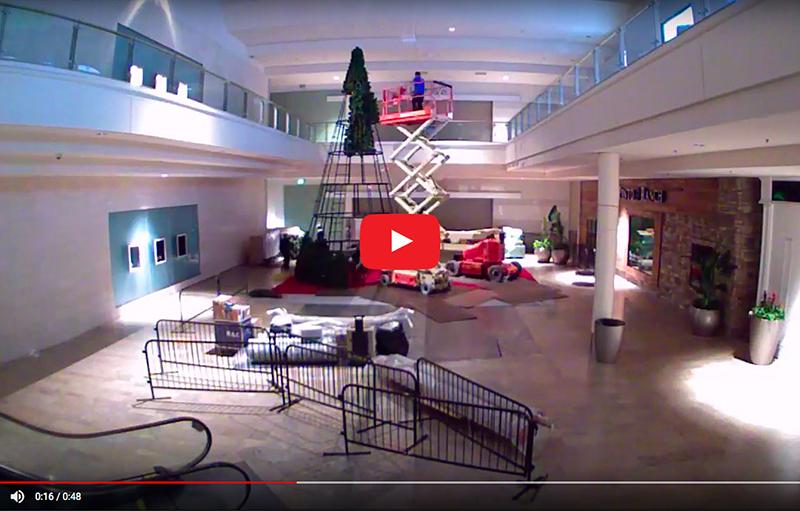 Fashion Show Mall Santa Set